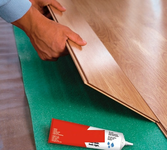 laminate-floor-sealer-to-increase-durability