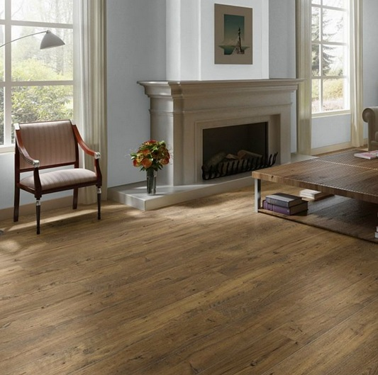 Antique oak laminate flooring for fireplace room