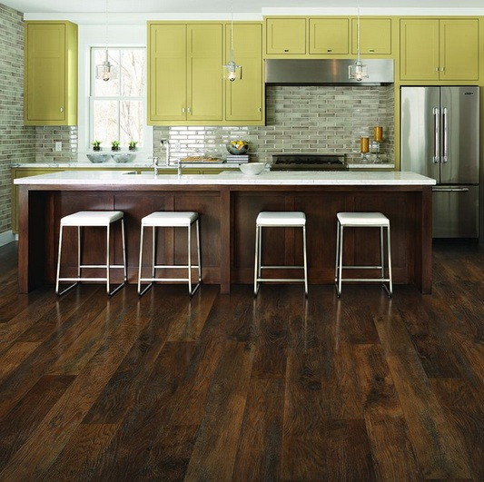 Antique oak laminate flooring for your kitchen