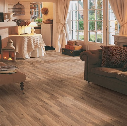 Antique oak laminate flooring with natural 7 mm thickness