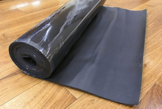 Black rubber underlay for laminate flooring