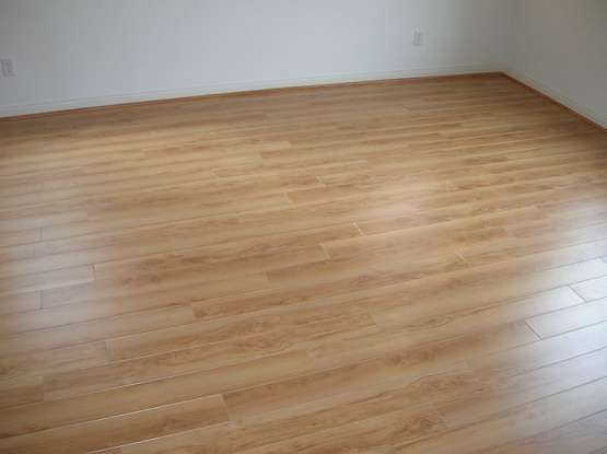 Laminate wood floor as cheap flooring alternatives
