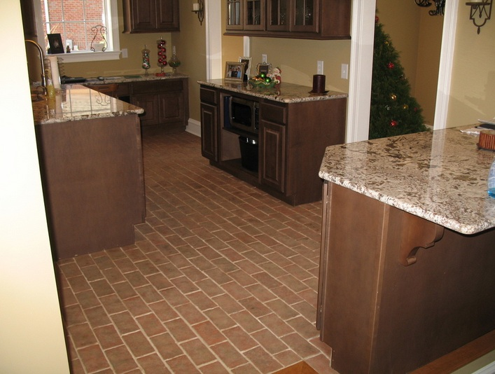 Brick floors in kitchen flooring ideas floor design trends for Classic kitchen floor tile